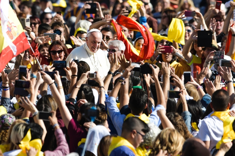Pope Francis tells Vincentians to pray, welcome and go